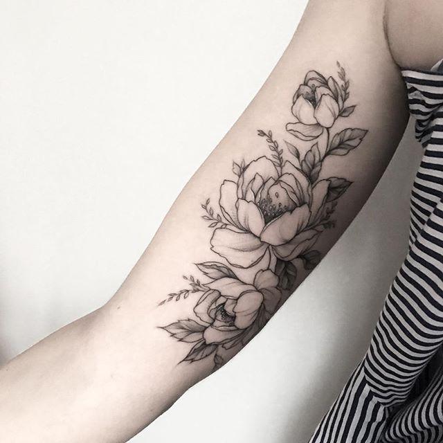 Olga Korolyova S Photos Bicep Tattoo Arm Tattoos For Women Upper Inner Arm Tattoos