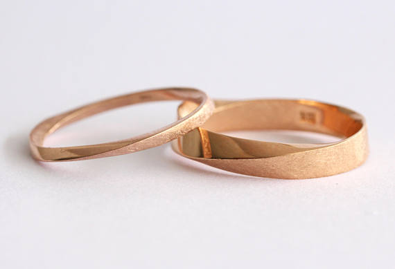 Wedding Band Set, His And Hers Wedding Rings Set, Mobius Rings set, Mobius Wedding Ring Set, Mobius Wedding Band Set, Twisted Wedding Band #weddingrings