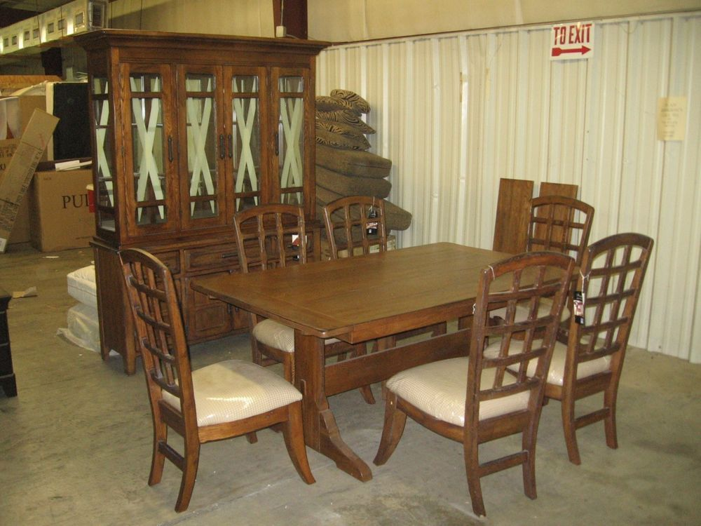 Stanley Furniture Discontinued Dining Table 6 Side Chairs And China Cabinet