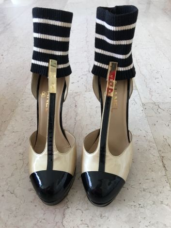 Escarpins Chanel Beige Noir Like Pinterest