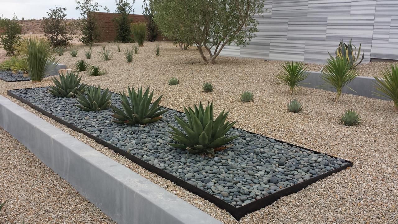 Modern desert landscaping los cerros landscaping Backyard designs with gravel