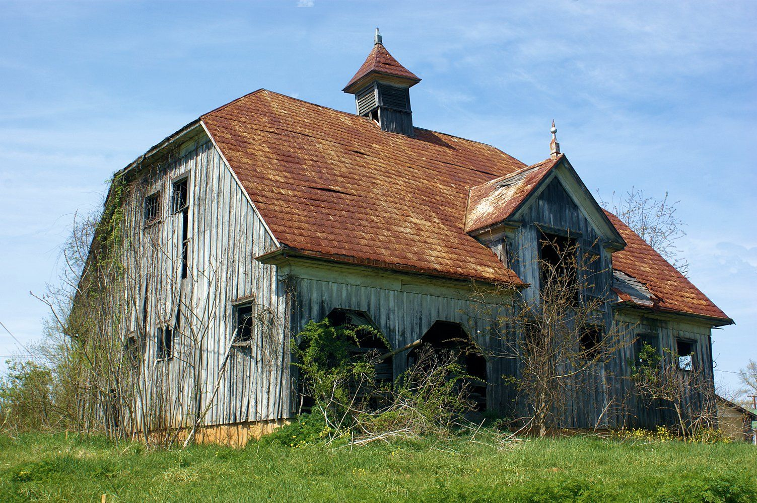 Abandon Old Scandinavian Barn In Southwest Virginia