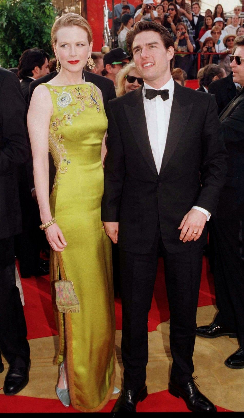 Nicole Kidman Oscars 1997 A Vision In Chartreuse Quite Memorable Red Carpet Oscars Red Carpet Fashion Oscar Dresses