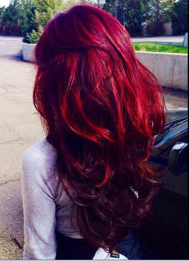 Pin de zandra en hair to dye for pinterest cabello for Pared color cereza