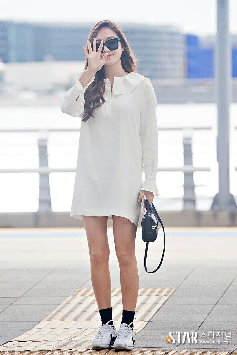 Jessica Jung at Icheon Airport.