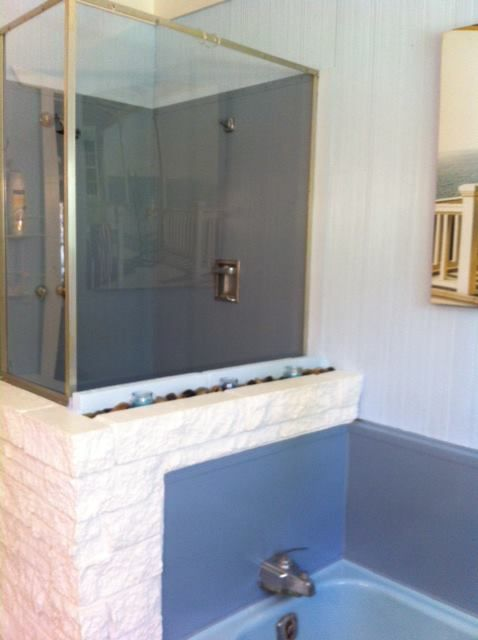 Lakehouse Bath AFTER Shower And Tub Painted With New Epoxy Paint - Epoxy paint for shower walls