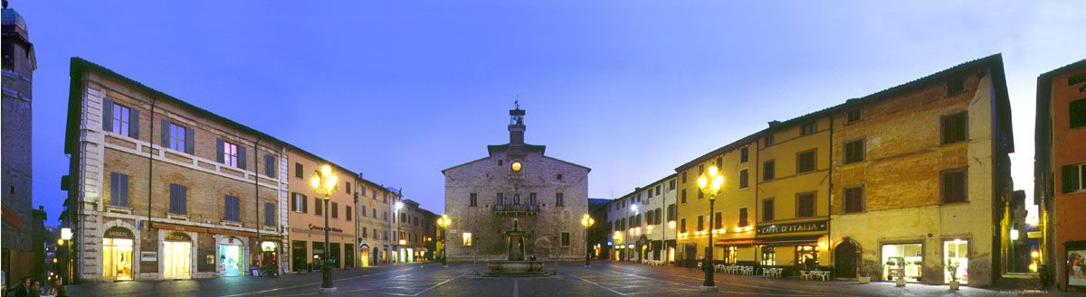 I'll spend 17 days in this Piazza this summer!! Piazza ...