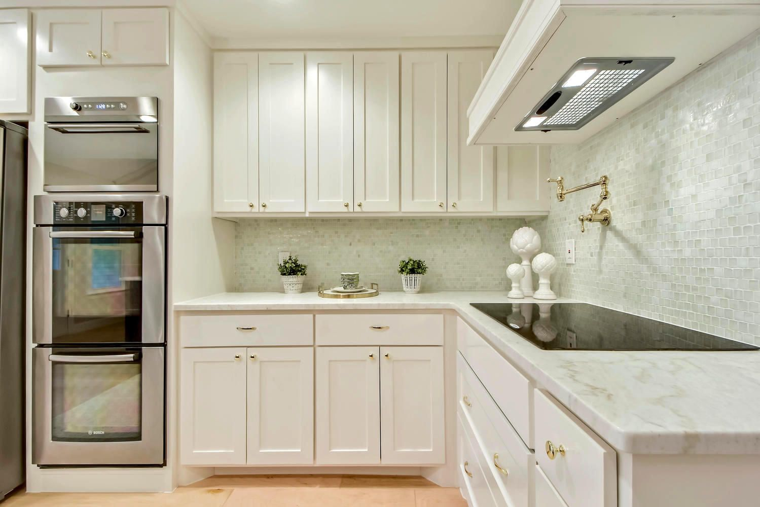 Full galley kitchen remodel by Melisa Clement Designs, LLC in Austin ...