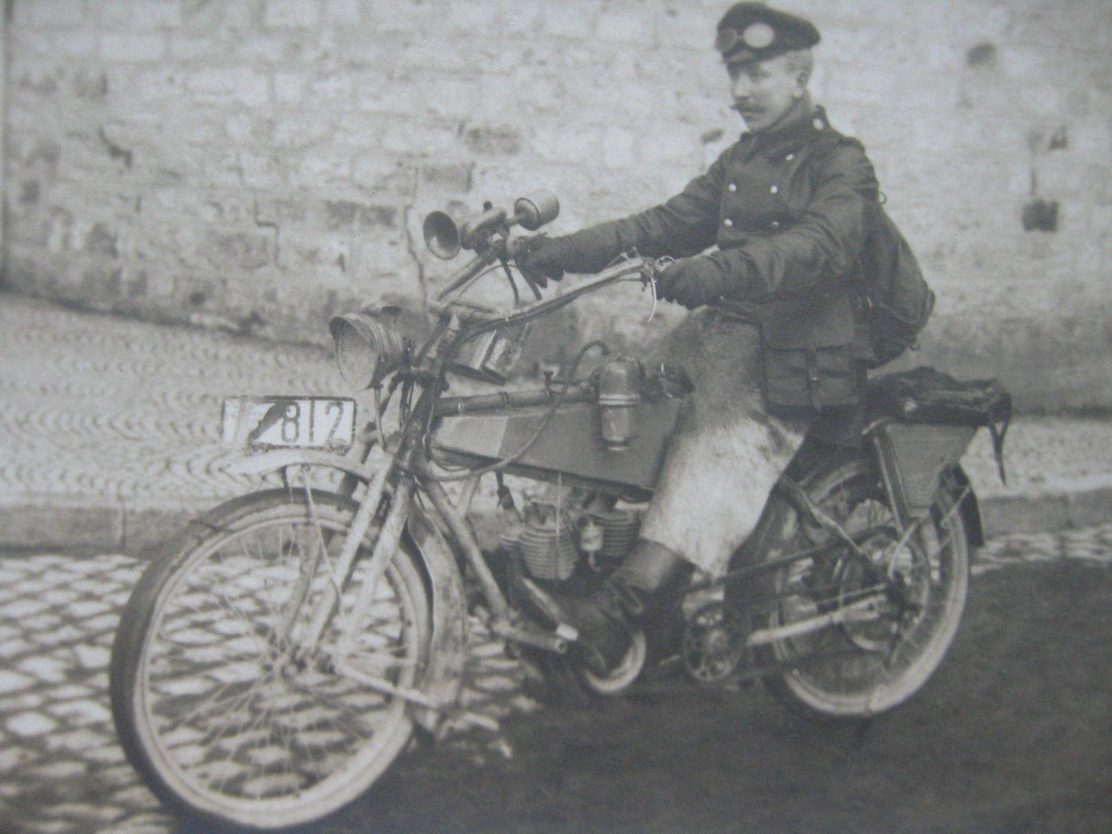 Wk1 Militar Motorradfahrer Motorrad Fahren Motorrad Fahrzeuge