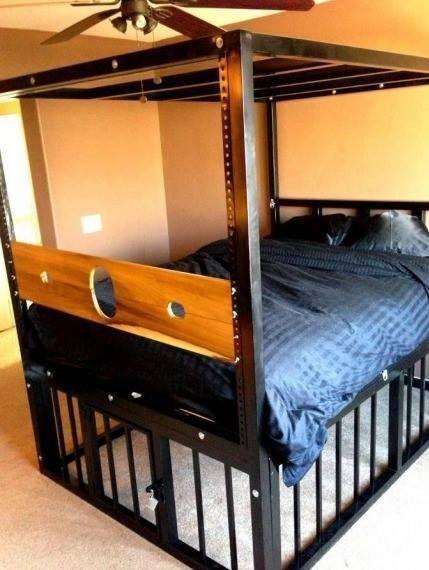 Кровать бля бдсм