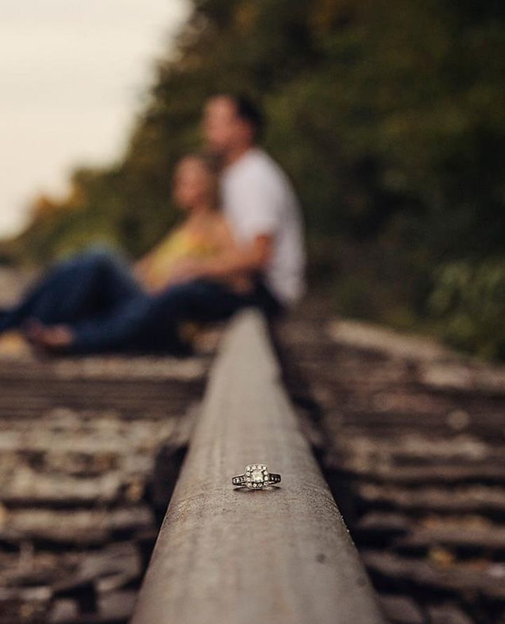 19 Awesome Ring Shots To Announce Your Engagement - Mon Cheri Bridals
