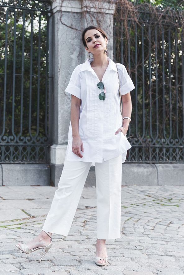 0fc9b218856d spring   summer - street style - street chic style - summer outfits - all  white - beach outfits - aviators + white straight ankle pants + white short  sleeve ...