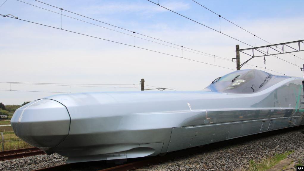 القطار الاسرع فى العالم صراع بين اليابان والصين Train Japan Kawasaki Heavy Industries