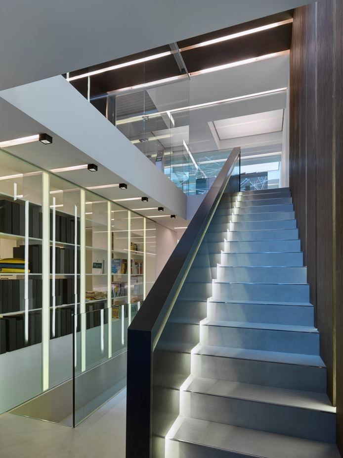 Best Con Forme Milan 2012 Lai Studio Mauriziolai Hall Entry Entrance Stairs Lighting 400 x 300