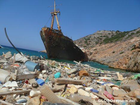 Amorgos Greece - Polluted beach - GLOBOsapiens
