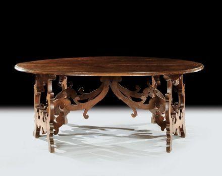 Cambi Casa d'Aste - Grande coppia di mezzi tavoli a demi lune in noce, XVII