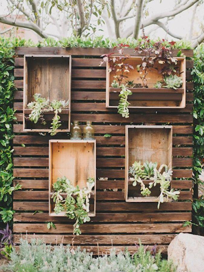 Muros de madera para jardin buscar con google dek de - Jardines decorados con madera ...