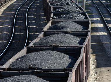 El carbón es la muerte para Santa Marta    Al abordar un tema polémico, controversial y delicado como el de la movilización de carbón por las carreteras y lo que existe de vía férrea en el Caribe colombiano, el propósito es llamar la atención de los diferentes actores para pasar de la palabra a la acción en términos de soluciones inmediatas.
