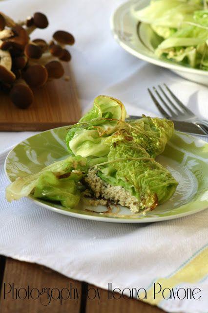 Involtini di verza con tofu alle erbe e funghi pioppini