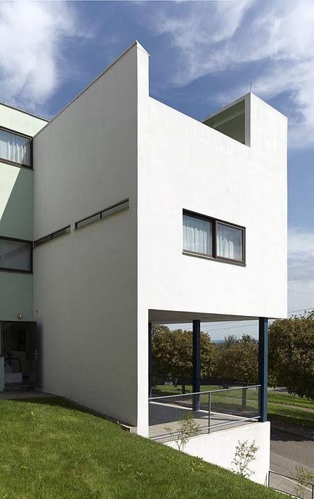 Weissenhof siedlung le corbusier the estate was built for Villas weissenhofsiedlung