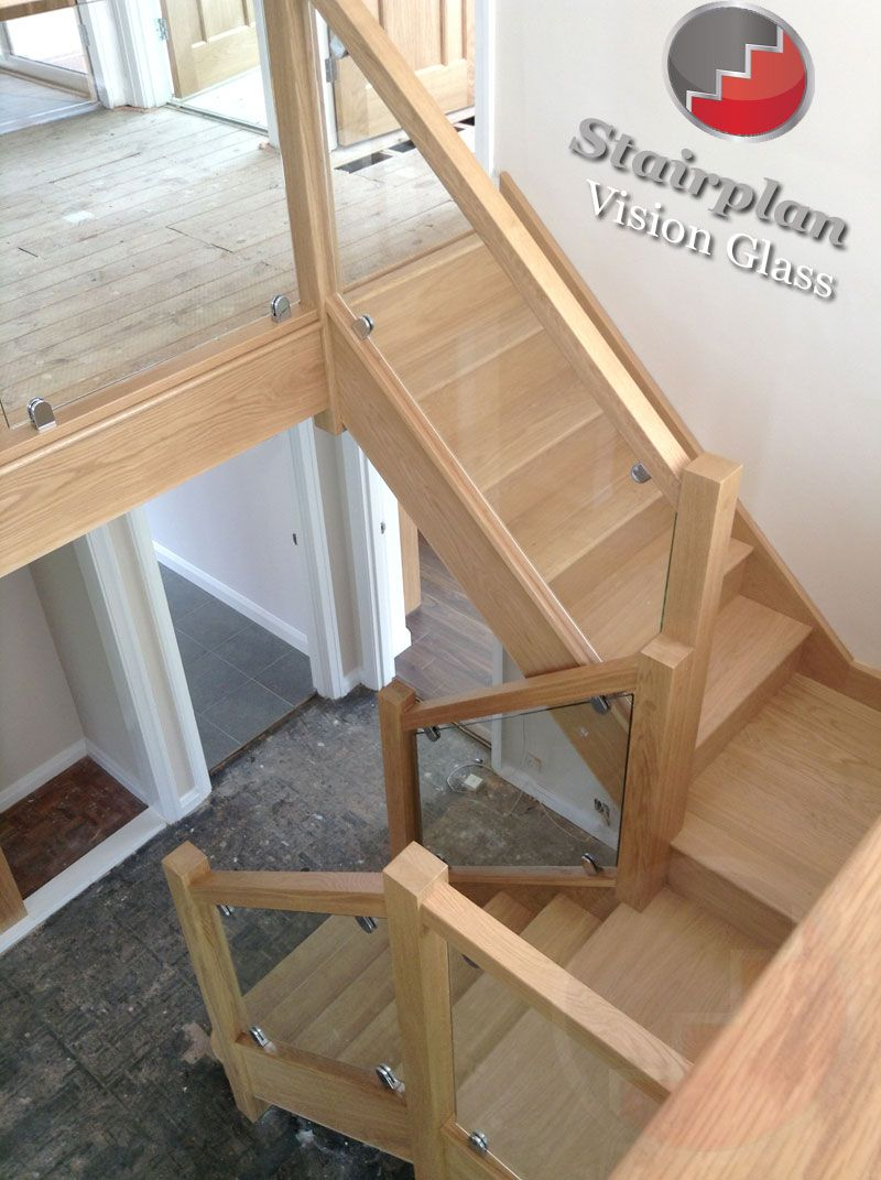 Oak Staircase With Vision Glass Balustrades Don T Like This With The Metal Clips Holding The