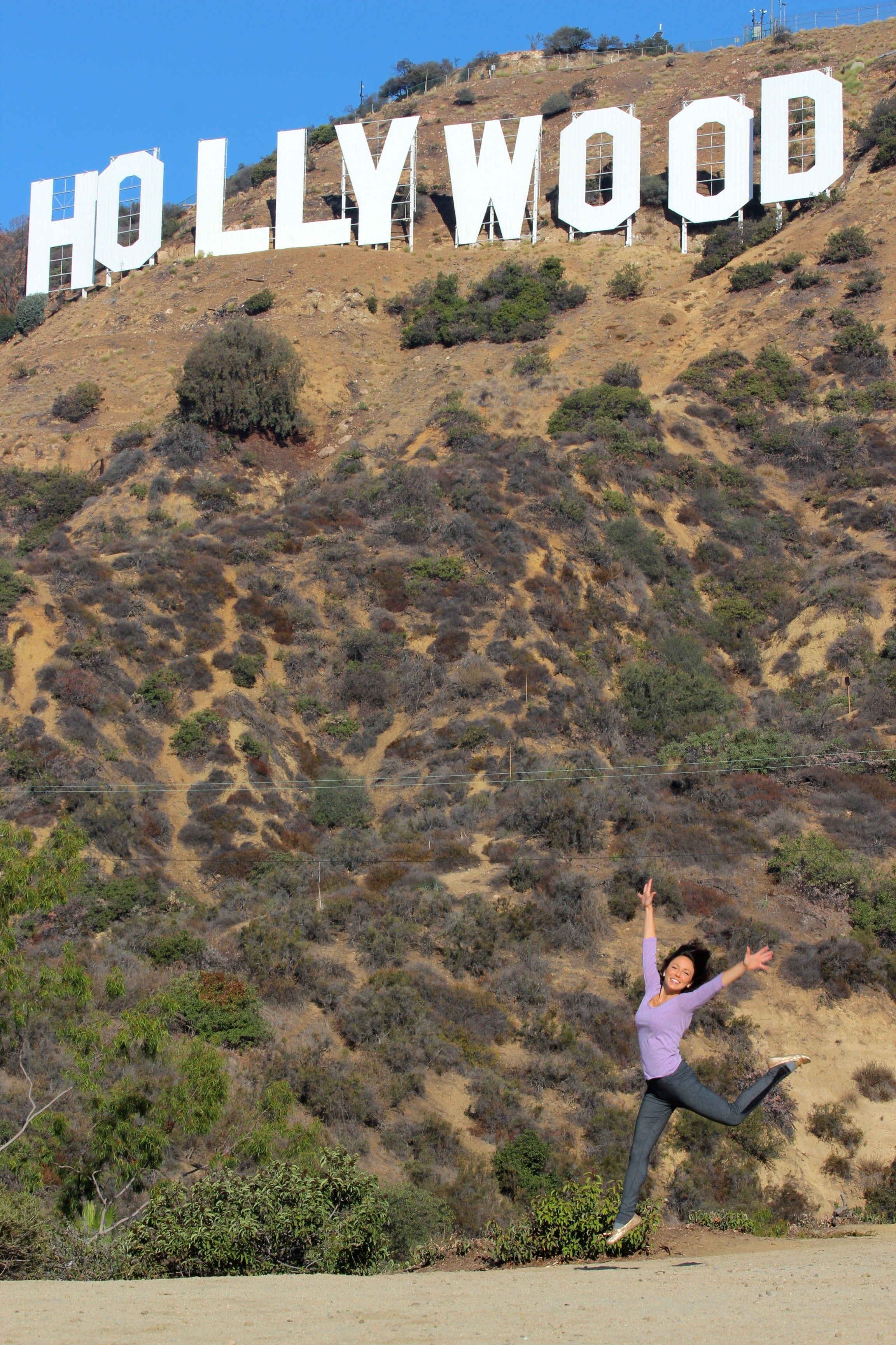 4 Ways To Hike To The Hollywood Sign Mr Mrs Adventure Hollywood Sign Hollywood Hike Hollywood Sign Hike