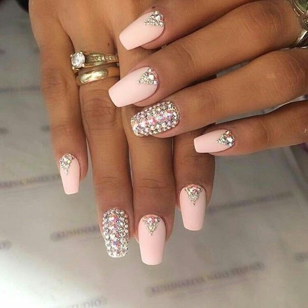 Pin by sofio on Nail | Pinterest | Nail inspo, Rhinestone nails and ...