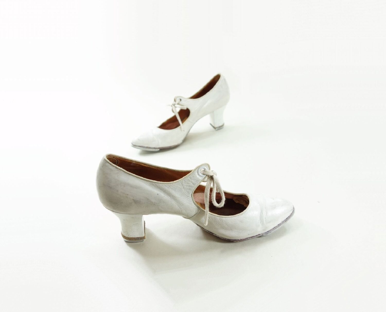 Pin on Ladies dancing shoes
