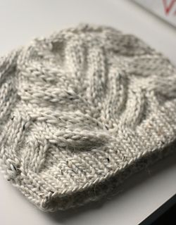 Knit Magnolia hat on Ravelry - free pattern download already have the pattern for the mitts