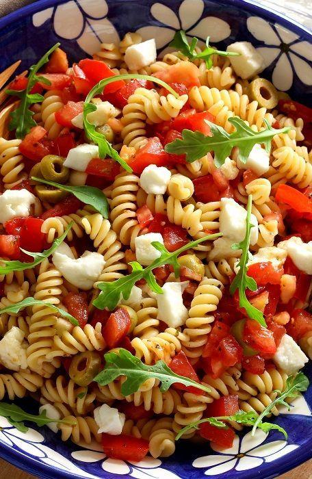 Salade de pâtes comme en Italie Une recette de pâtes à emporter en pique-nique ou à proposer comme accompagnement lors d'un barbecue.