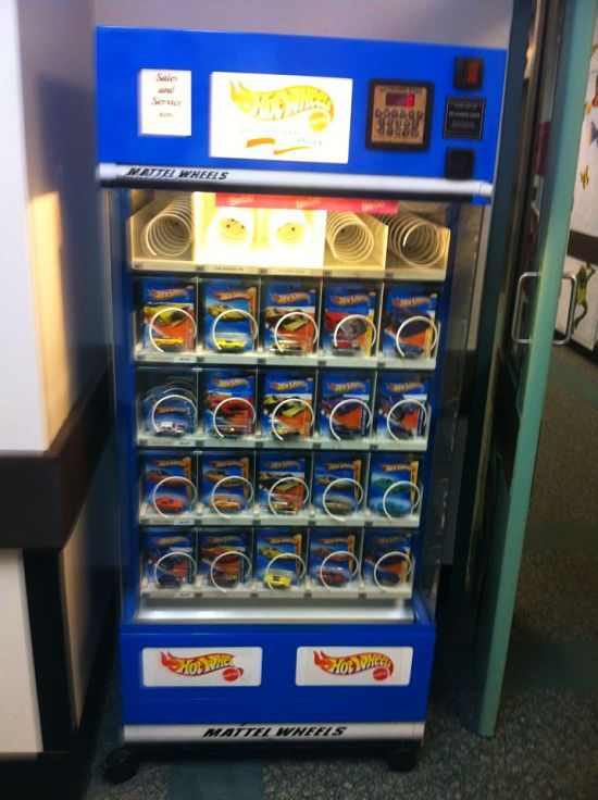 Hot Wheels Vending Machine I Would Be The BEST Mom Ever