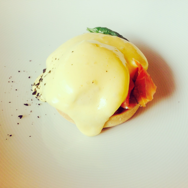 eggs benedict / egg dish / breakfast / holandese sauce / eggs royal / restaurant / Vilnius / Stebuklai