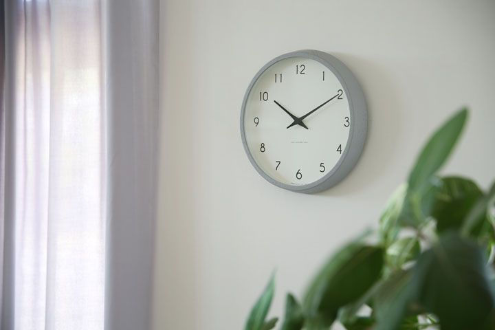 Photo of 北欧家具に合う掛け時計 Campagne ( カンパーニュ )オークにグレーが登場