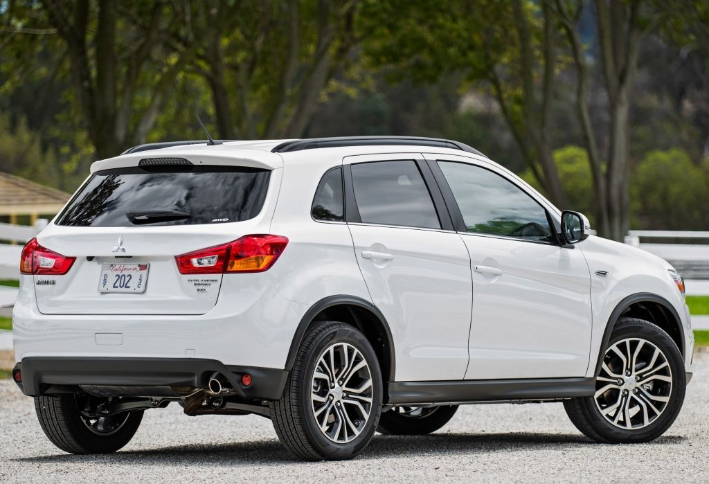 Mitsubishi Outlander Sport CUV returns for 2017 with
