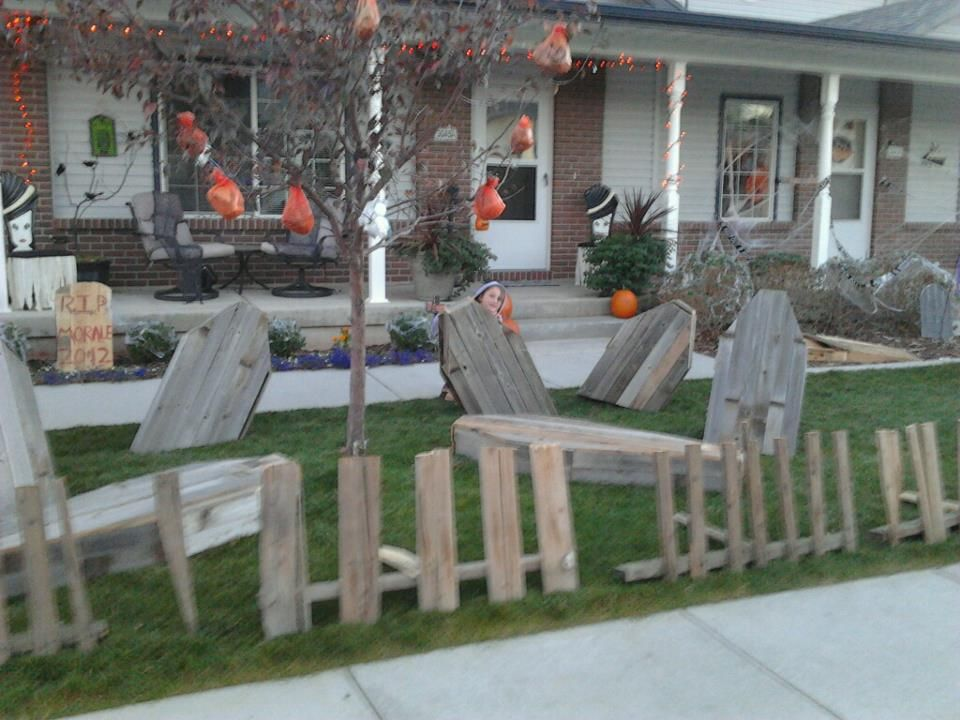 halloween decorations made from pallets and old privacy fence coffins