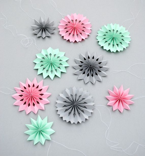 diy jolies rosaces en papier diy rosace papier papier. Black Bedroom Furniture Sets. Home Design Ideas