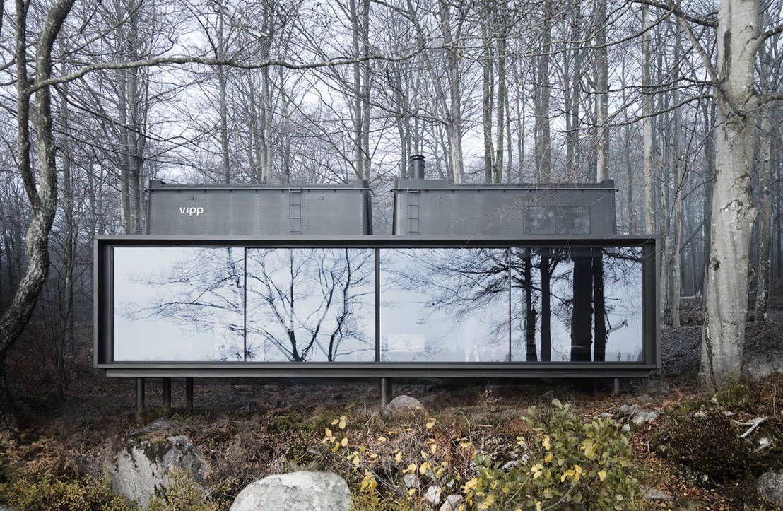 Das dänische designunternehmen vipp plante und baute eine fertighaus am see in der nähe von kopenhagen