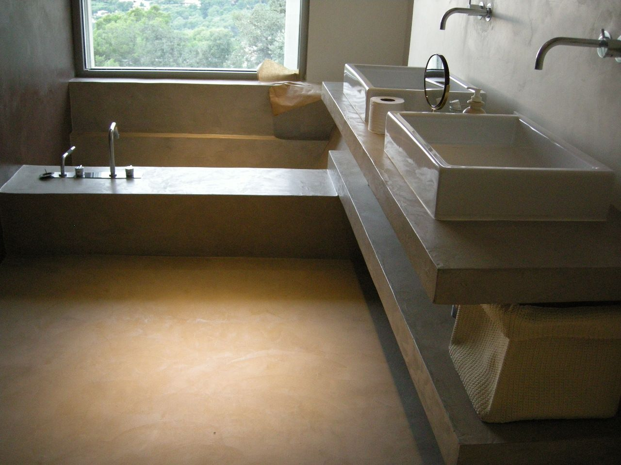 Ba o de cemento pulido habitaciones ba os - Resina in cucina al posto delle piastrelle ...