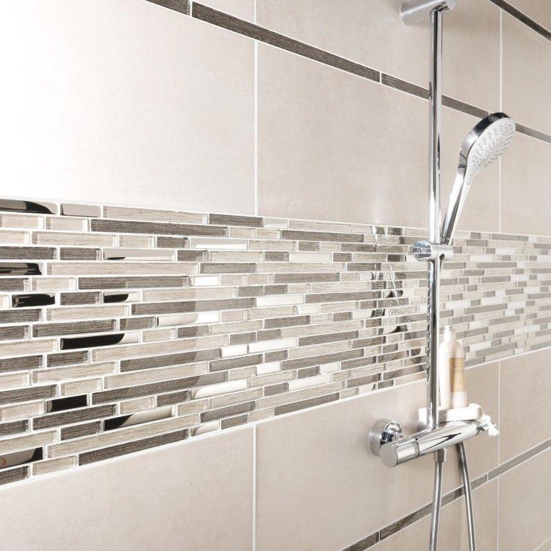 La Mosaique Revisite Les Carreaux De Ciment Designs De Petite Salle De Bains Idee Salle De Bain Salle De Bain