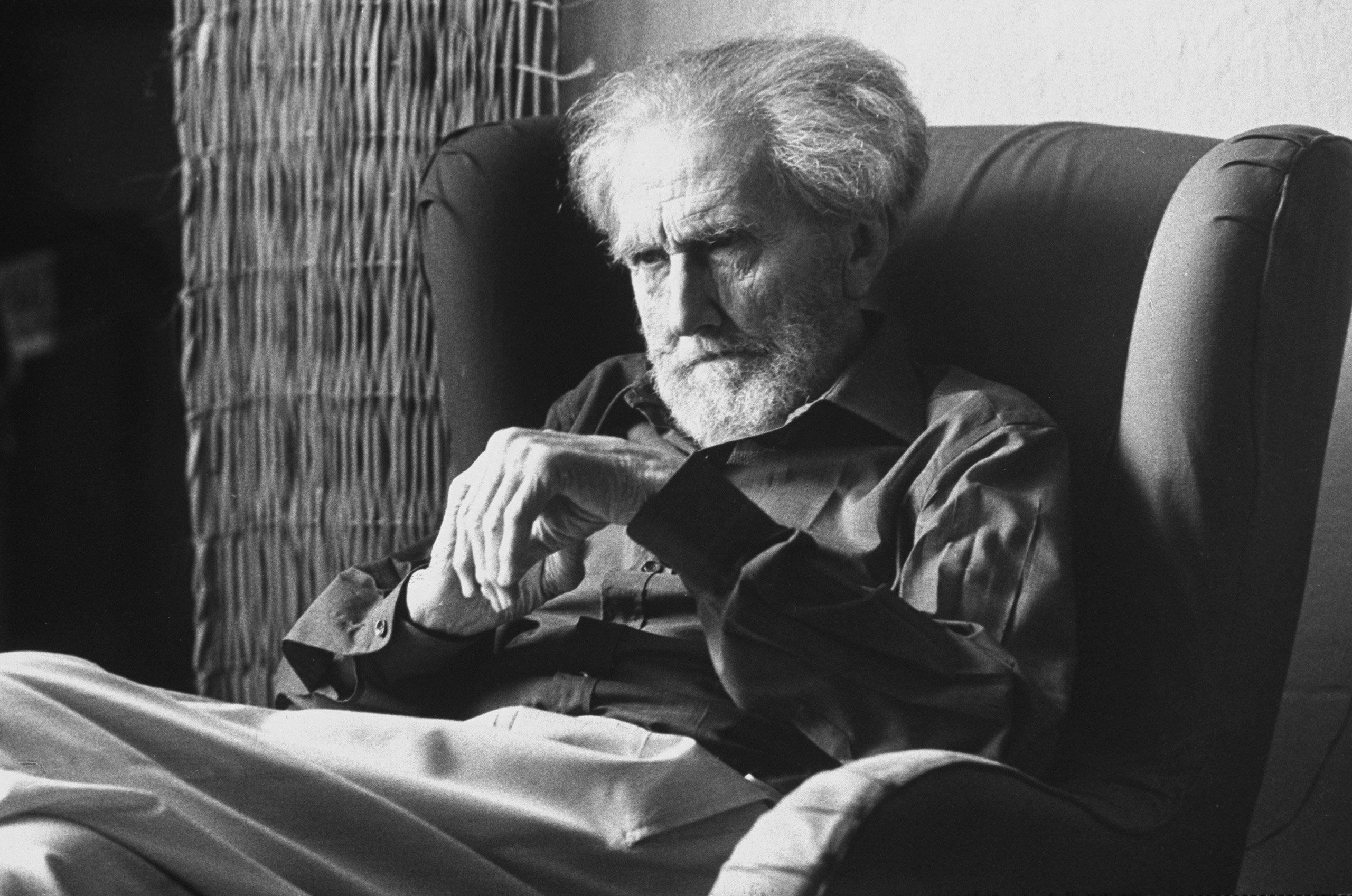 To Praise A Poet 30 Portraits Of Poets From The Life