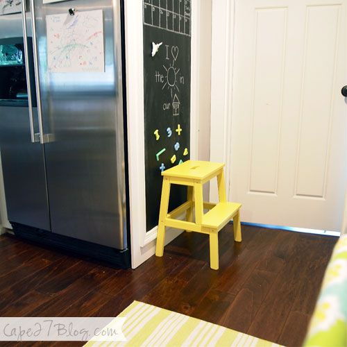 gelber ikea bekv m hocker kinderecke mit tafel in der k che yellow ikea bekv m step stool. Black Bedroom Furniture Sets. Home Design Ideas