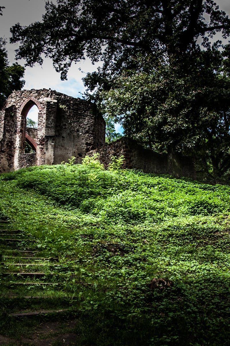 New free photo from Pexels: https://www.pexels.com/photo/ancient-architecture-building-castle-208309/ #dawn #landscape #building
