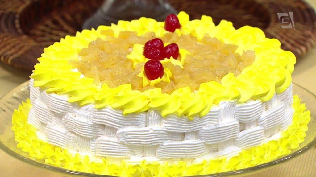 mulheres-receitas-bolo-aniversario-frutas