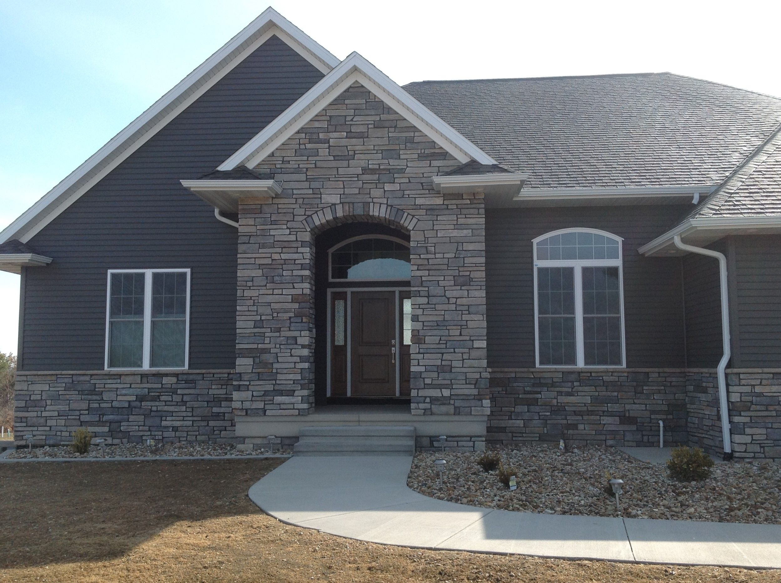 Boral echo ridge country ledgestone country ledgestone for Black stone house