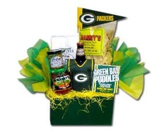 A Packer gift basket full of Wisconsin foods makes a yummy gift ...