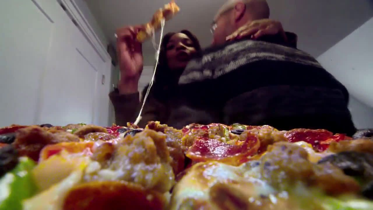 AbanCommercials: DiGiorno TV Commercial  • DiGiorno advertsiment  • Point of View - Get-togethers  • DiGiorno Point of View - Get-togethers  TV commercial • The DiGiorno pizza point of view: only piping hot and crispy, straight from your oven pizza elevates your occasion so your friends and family can enjoy every moment.