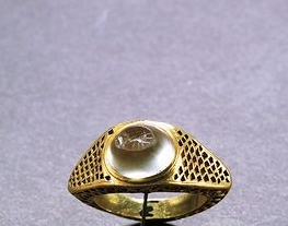 Gold ring Roman civilization, Ring with engraved gem 150 A.D.