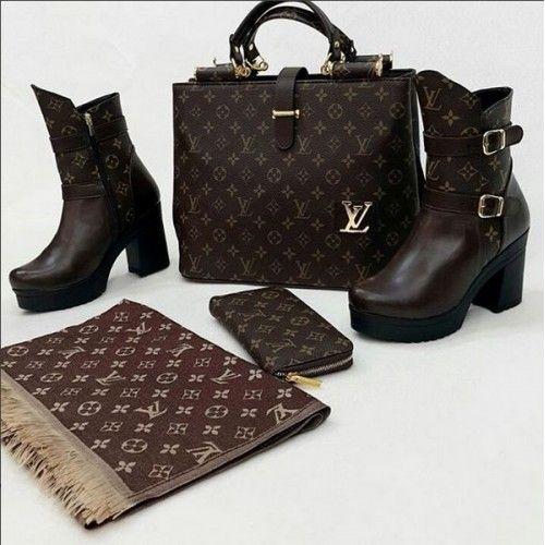 f27e1d8c89cfc طقم شنطة نسائية ومحفظة نقود وحذاء وشال لويس فيتون
