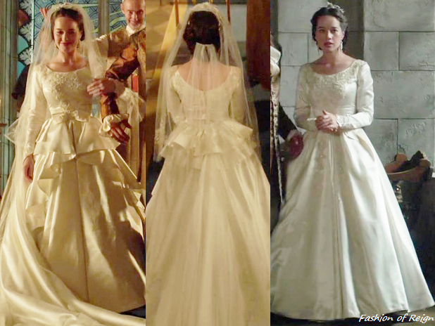 """In The Episode 3x03 (""""Extreme Measures"""") Lady Lola Walks"""