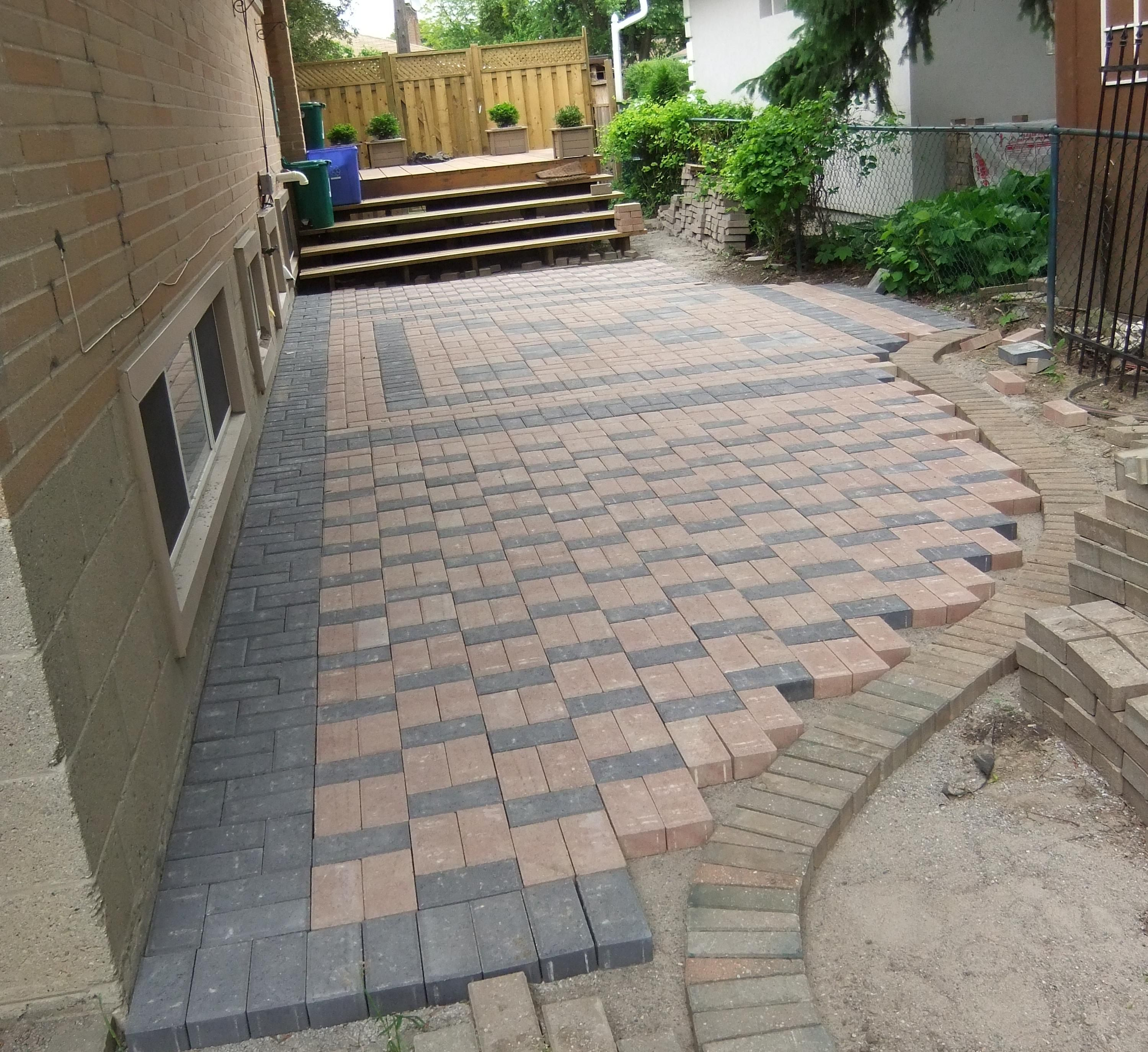 Mixing Old With New I Used Boarder Stone From Previous Paver Job Patio Pavers Design Patio Paver Patio